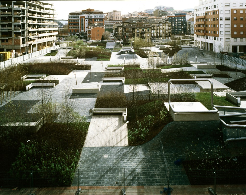 Plaza del desierto by eduardo arroyo no mad landscape for Architecture nomade