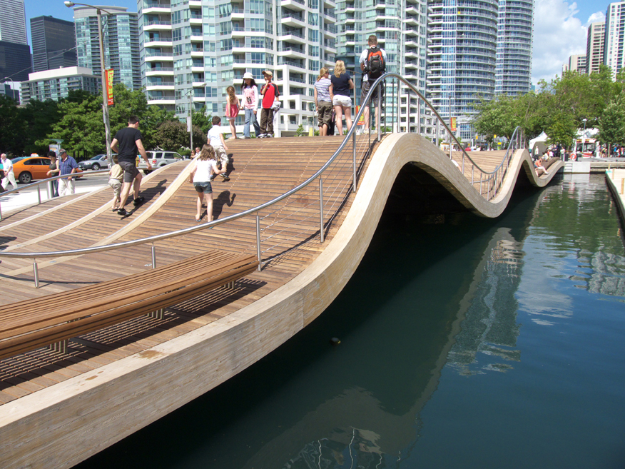 Simcoe wavedeck by west8 dtah landscape architecture for Design hotel deck 8