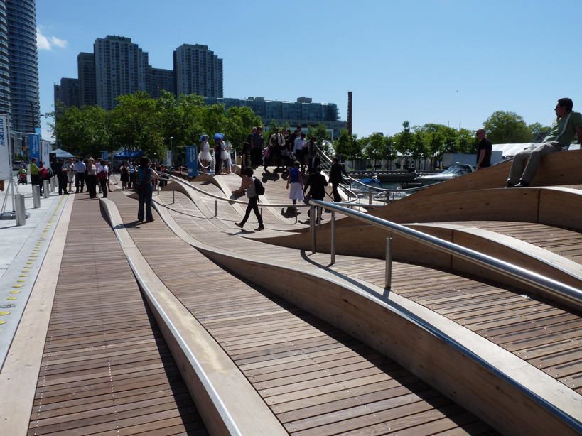 3 simcoe wavedeck west8 landscape architecture works for West 8 architecture