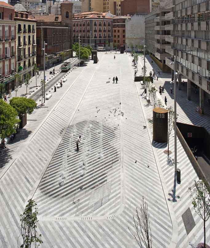 Plaza de la luna by brut deluxe landscape architecture - Garden center madrid ...
