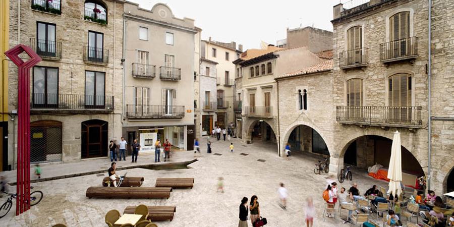 Public spaces in banyoles by mias arquitectes landscape for Arquitectes girona