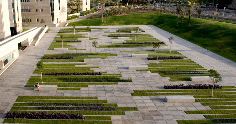 Bgu university entrance square by chyutin architects for Garden design university