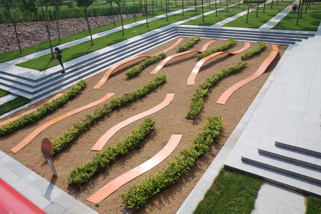 Tianjin qiaoyuan park by turenscape landscape architecture for Red landscape architects