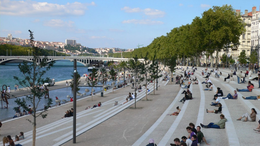Rhone river banks by in situ architectes paysagistes for Architectes paysagistes