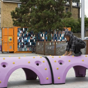 11 Host space Toy box at Gillett Square in use © Sarah Blee J & L Gibbons