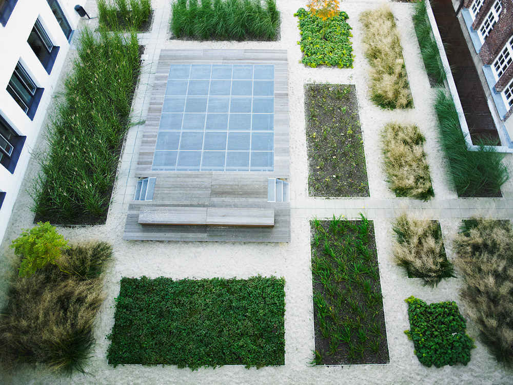 16 public garden courtyard 2 atelier2 landscape for Courtyard landscape architecture