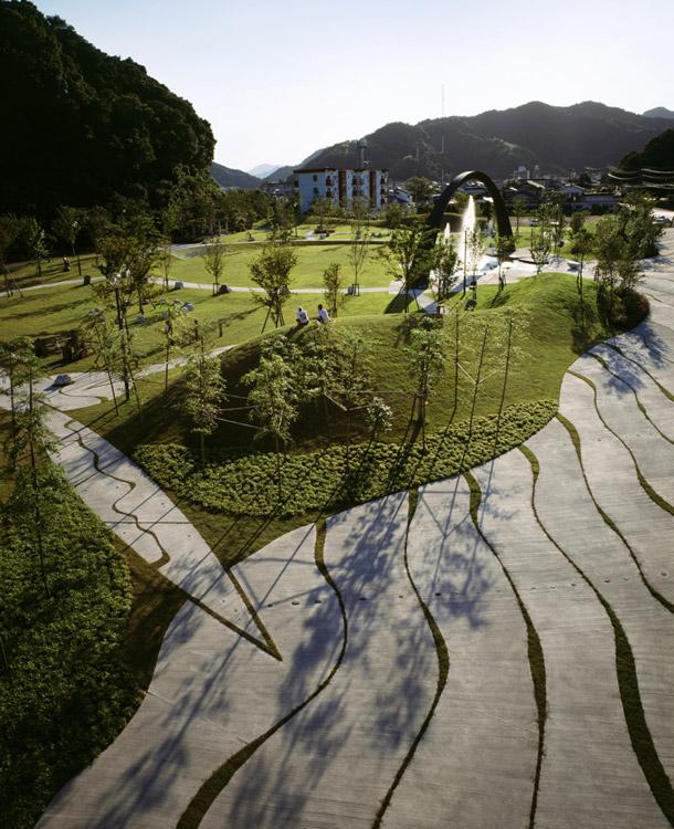 Japanese Inspired Garden In Grant Park: Saiki-Peace-Memorial-Park-by-Earthscape-02 « Landscape