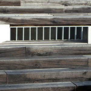 04-Wooden-stairs-and-management-of-thunderstorm-floods-device