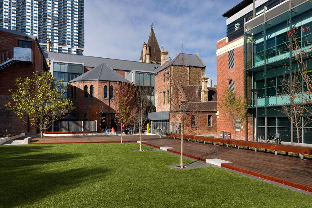 RMIT University Lawn by Peter Elliott Pty Ltd Architecture Urban Design 05 Landscape