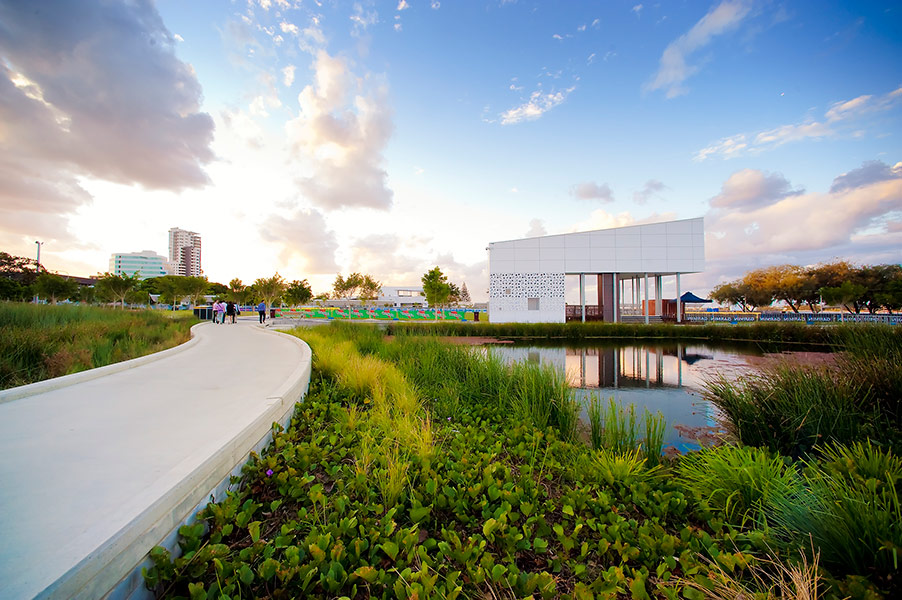 Southport broadwater parklands by aecom design and for Landscape architect gold coast