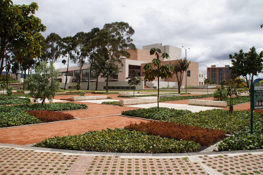 Julio mario santo domingo library park by diana wiesner for Arquitectura del paisaje