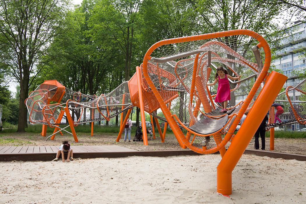 Необычные детские площадки