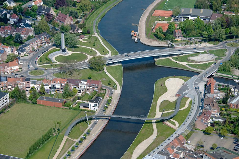 Albert park and its bridges landscape architecture works for Dujardin kortrijk