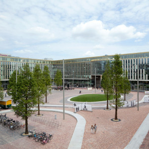 With its favorable location close to the Bijlmer Arena station, the ArenA soccer stadium, several hotels, bars, shops and restaurants, Hoekenrode square might be the most important city square of Amsterdam Zuidoost.