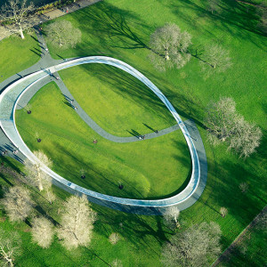 """Gustafson Porter Shared with us one of their classics. """"The work to turn the design of the Diana, Princess of Wales Memorial Fountain from an artist's impression into reality involved skilled craftsmen from across the UK and groundbreaking high-tech production techniques previously used in the automotive industries."""""""