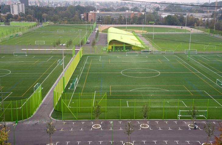 Heerenschurli_Sport_Complex-by-Topotek1-00