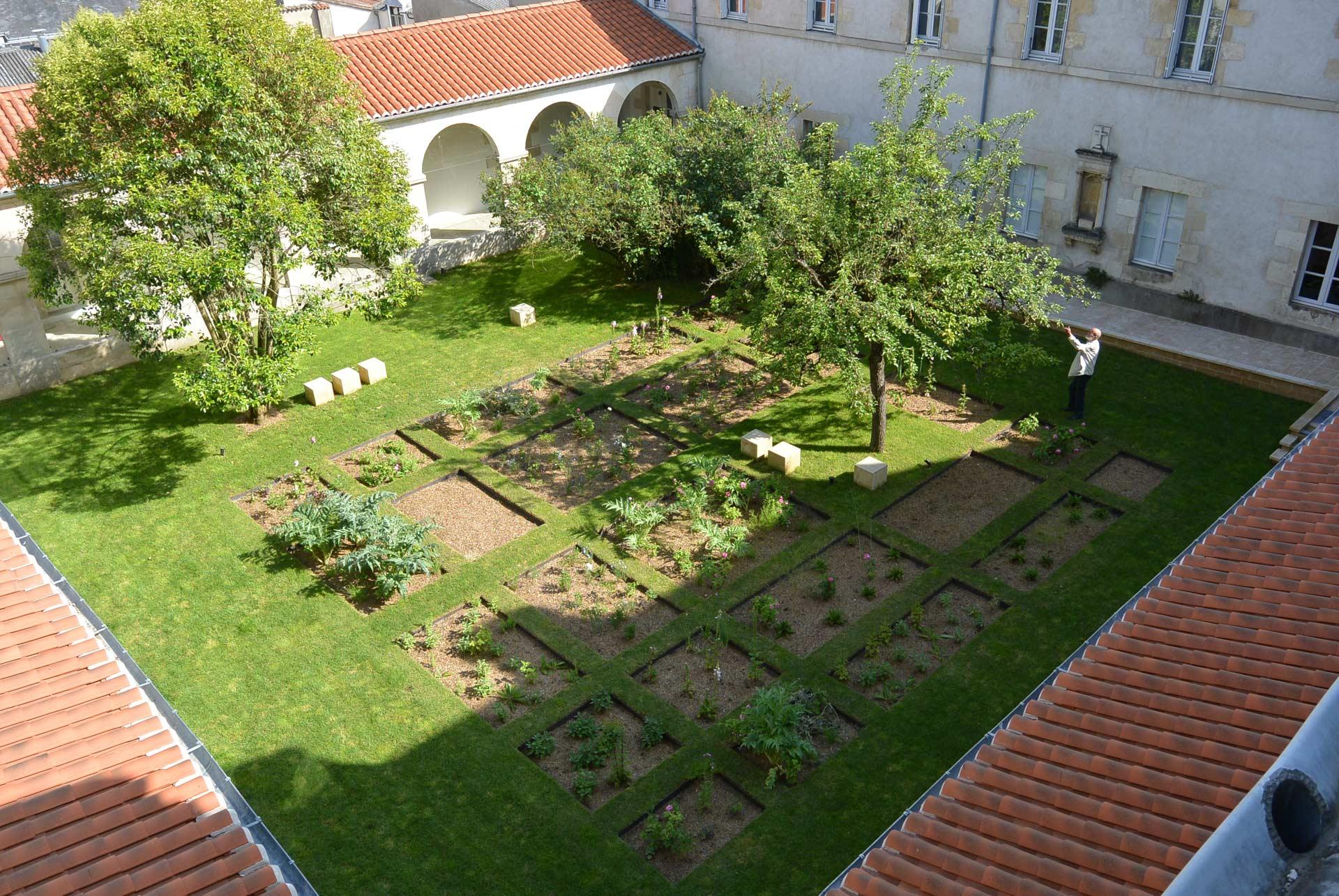 Le Jardin Clair Obscur by Wagon landscaping Landscape