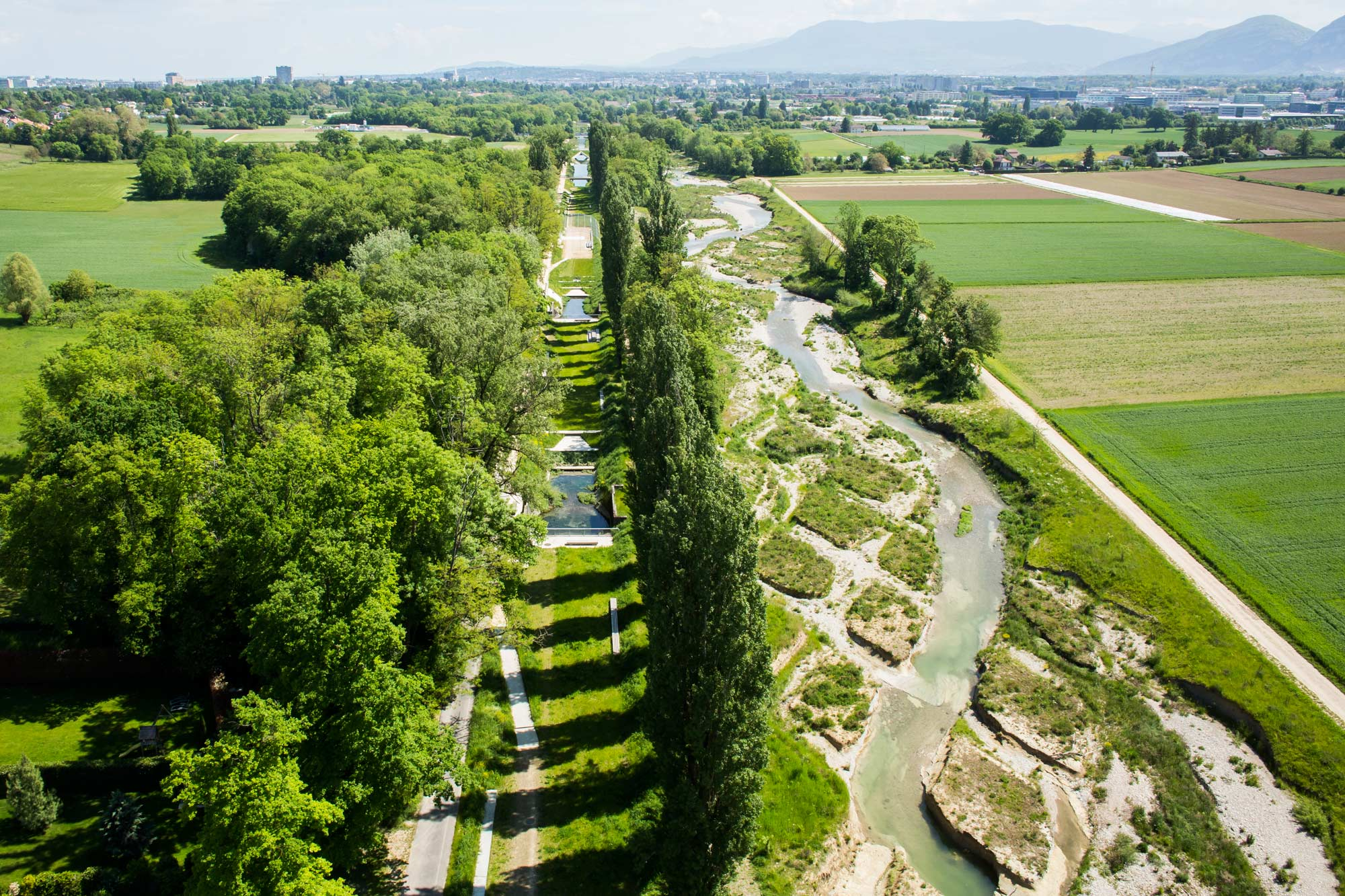 Renaturation of the river aire geneva landscape for Landscape architecture