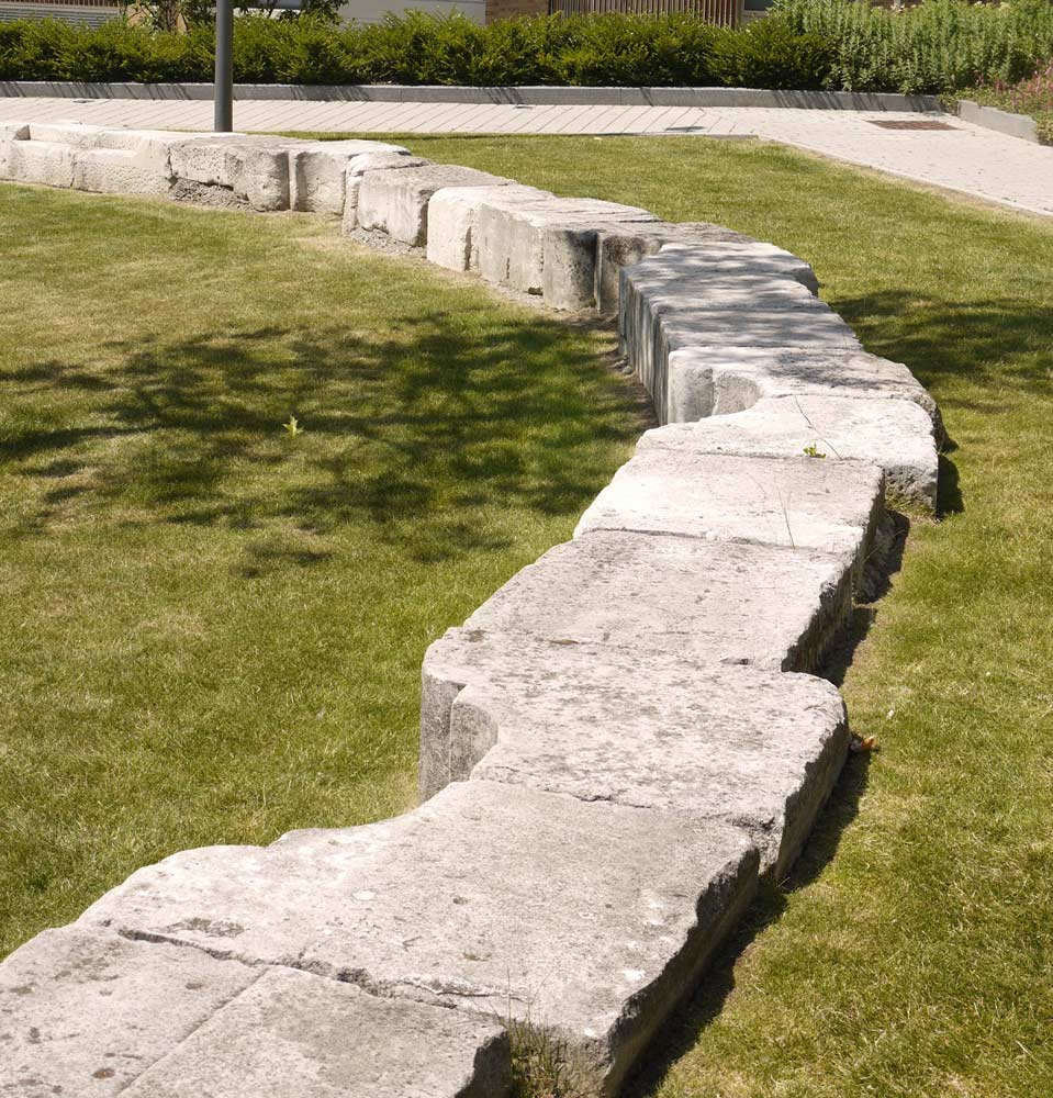 15u2013Bank-seating-from-reclaimed-stone-copyright-Townshend-Landscape-Architects U00ab Landscape ...