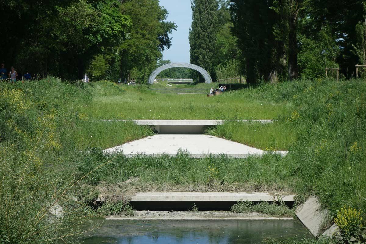 20-Naturalization-river-channel-landscape-architecture ...