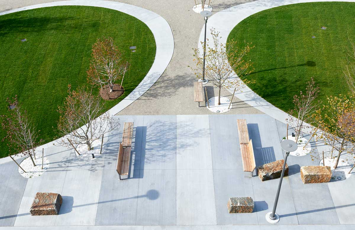 Public Plaza And Coorporate Roof Garden Landscape Architecture