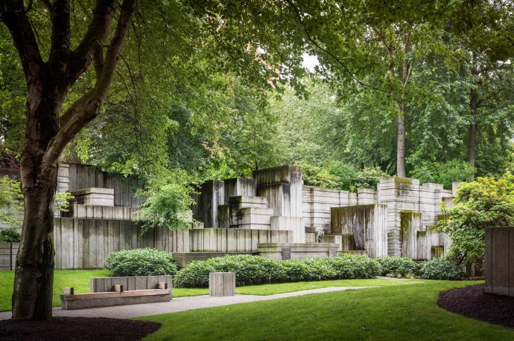 Freeway-Park-Seattle-courtesy-The-Cultural-Landscape-Foundation