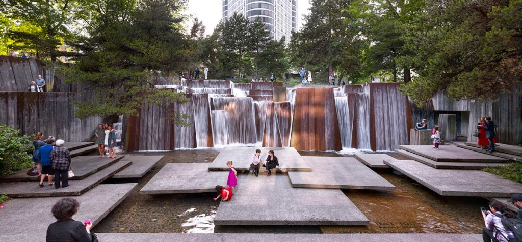 Portland-Open-Space-Sequence-Ira-Keller-Forecourt-Fountain-Portland-OR-2016-Photograph-by-Jeremy-Bitterman-courtesy-The-Cultural-Landscape-Foundation