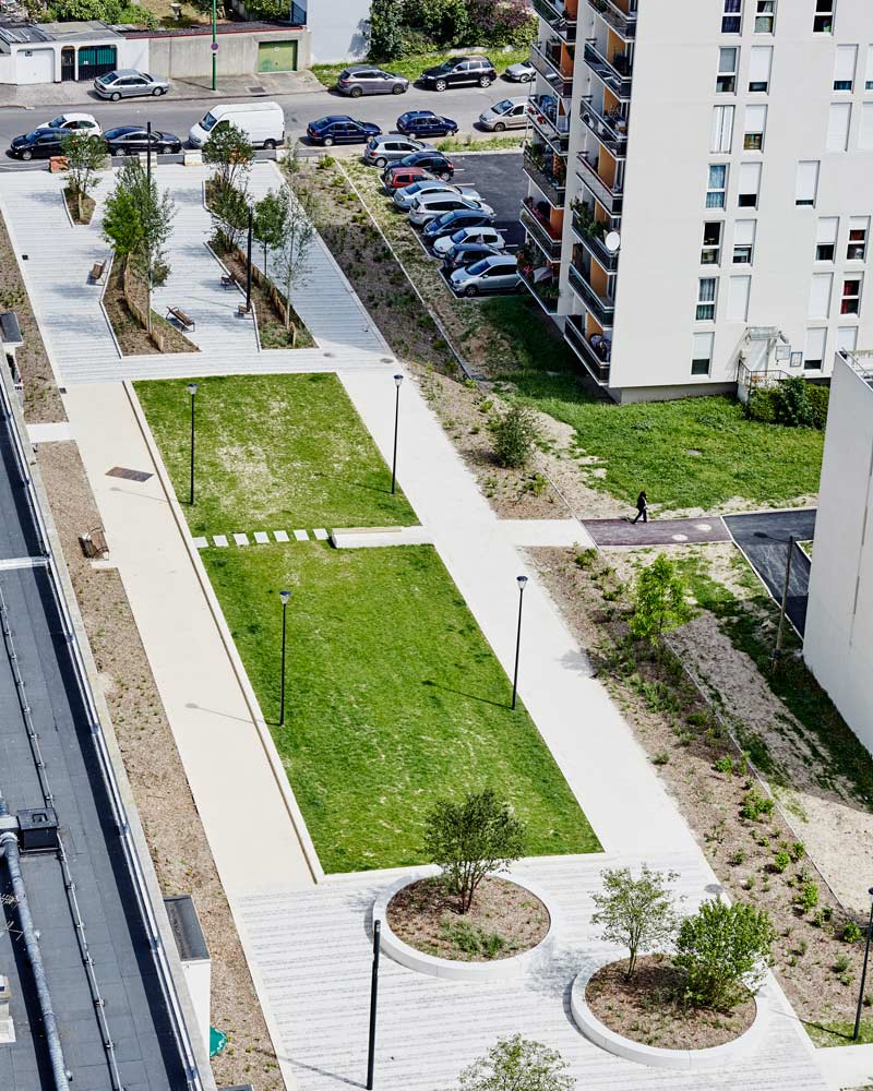 Alfortville gd ensemble 16 06 29 130 landscape for Outer space design landscape architects