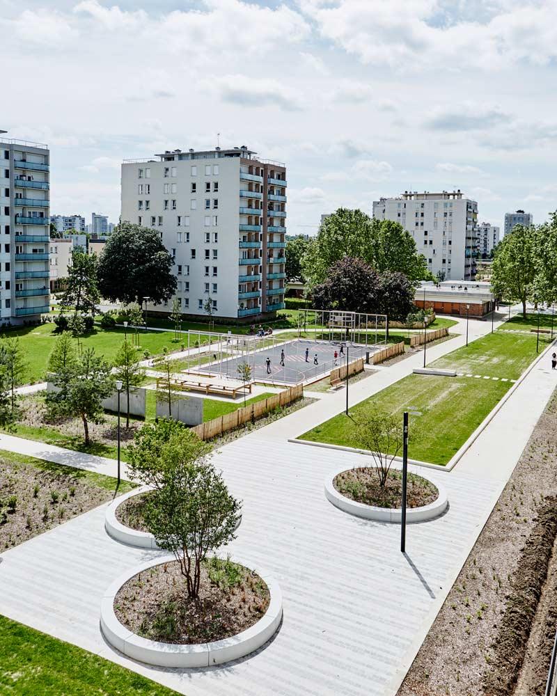 Alfortville gd ensemble 16 06 29 185 landscape for Grand designs garden