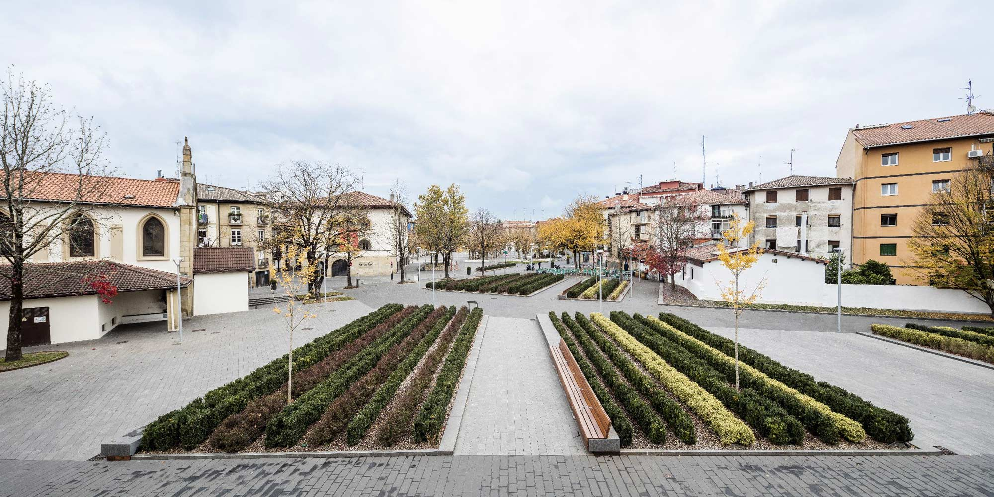 The redevelopment of irun s old town square by scob for Architecture t square