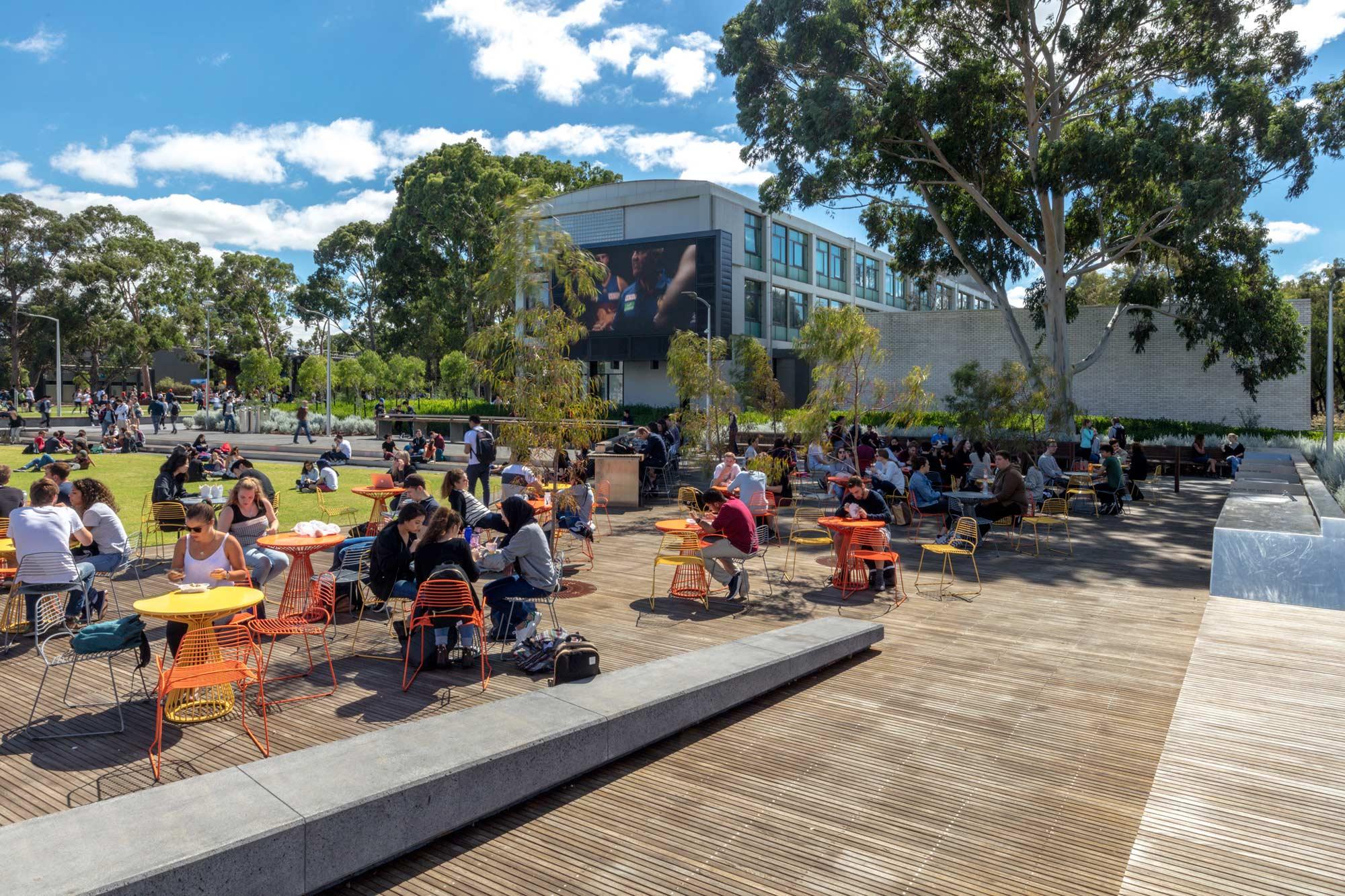 Tcl monash northern plaza ben wrigley 03 rgb 72dpi landscape architecture works landezine - Social life in small urban spaces model ...