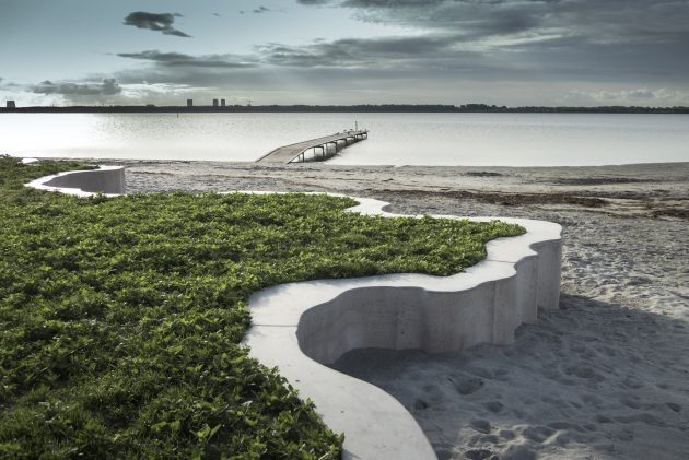 A 50cm barrier along any beach can radically change natural dynamics, sometimes for the better, sometimes for the worse. In the case of Hvidovre beach, the grassy area is a former landfill so this simple element is solving a number of problems whilst opening new uses. VEGA collaborated with Karin Lorentzen, a super-interesting Danish artist that designed the concrete wall. The result is an interesting and playful landscape element and I'm reminded of the Catherine Mosbach's approach to form-finding - a little bit. Smuk!